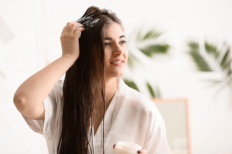 أقنعة الشعر… عناية لا متناهية